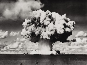 nuclear-bomb-explosion-baker-day-test-bikini-25th-july-1946