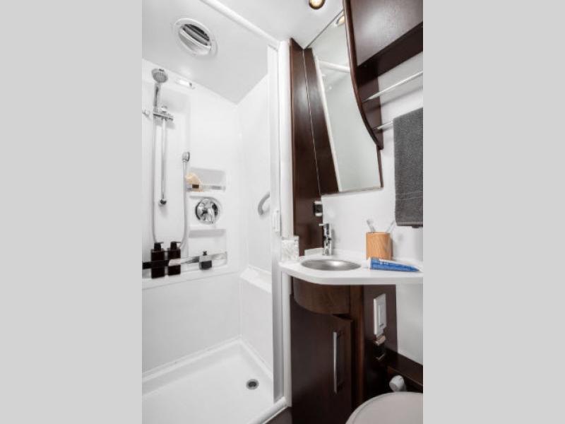 serenity motorhome bahtroom