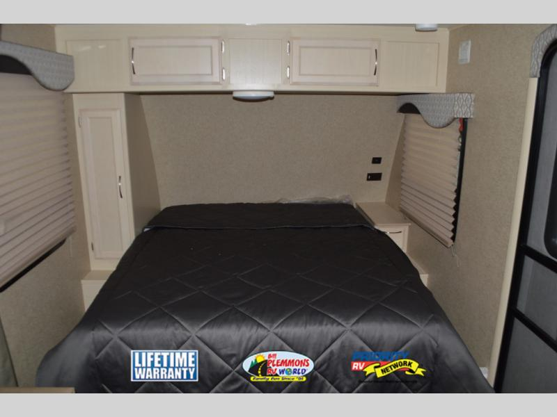 Winnebago Micro Minnie Travel Trailer Bed