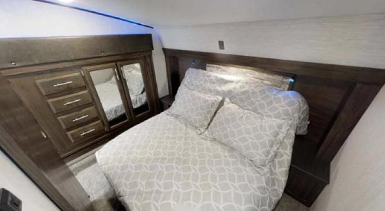 arctic wolf bedroom