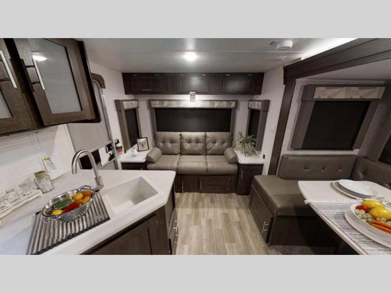 2019 cruise lite living room