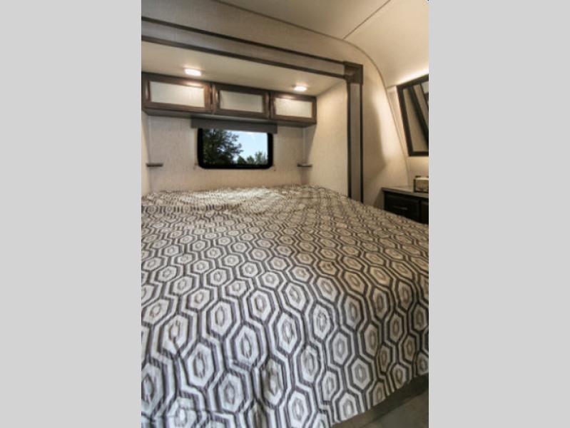 bedroom in g class