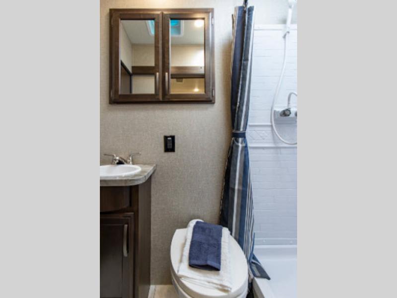 bathroom g class momentum