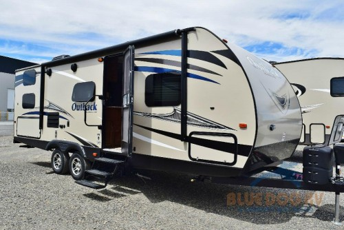 keystone outback ultra lite travel trailer review