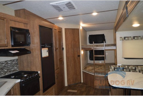 Starcraft Autumn Ridge Outfitter Fifth Wheel Interior