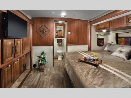Georgetown 5 Series Class A Motorhome Bedroom