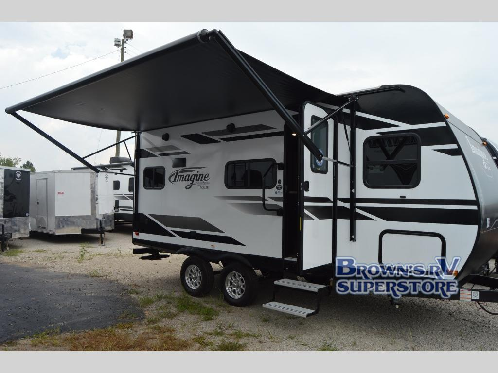 Grand Design Imagine XLS Travel Trailer Review: 2 Ways to Make Your Imagination a Reality