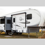 Open Range 5th Wheel BT Camper