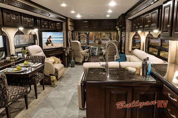 Find Beauty Inside And Out On The Winnebago Adventurer 38q