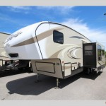 Keystone Cougar X-lite 28DBI fifth wheel