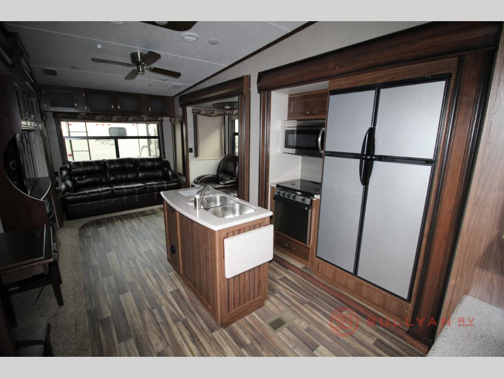Keystone Montana High Country 344RL Real Living Fifth Wheel Interior