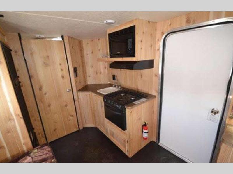 Cherokee Grey Wolf Fish Houses kitchen