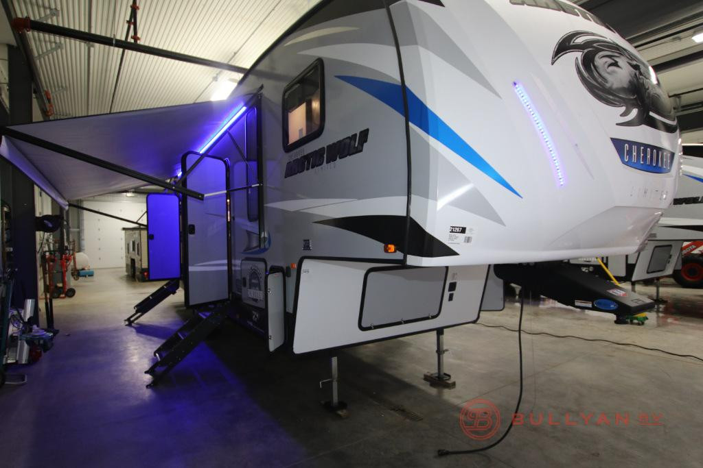 2019 Forest River RV Cherokee Arctic Wolf 315TBH8