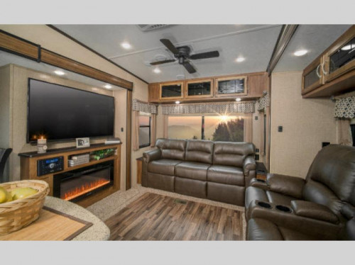 Coachmen Chaparral Fifth Wheel Living Room