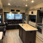luxury mid profile 5th wheel