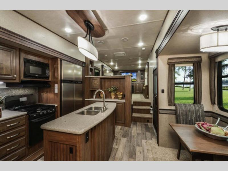 Elkridge Fifth Wheel Interior