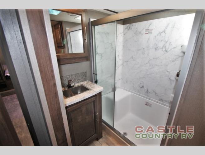Crossroads cameo bathroom