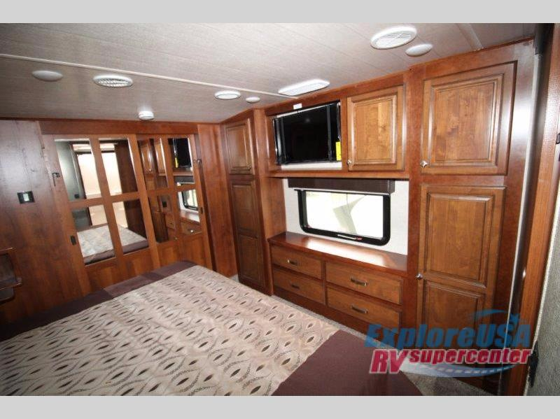 Heartland Bighorn Fifth Wheel Bedroom