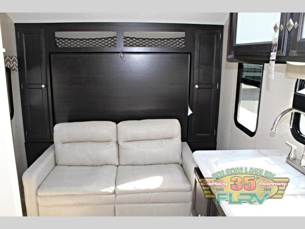 VENTURE RV SONIC LITE 150VRK Bed