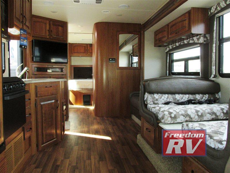 Delicieux Jayco Greyhawk Class C RV Motorhome Interior