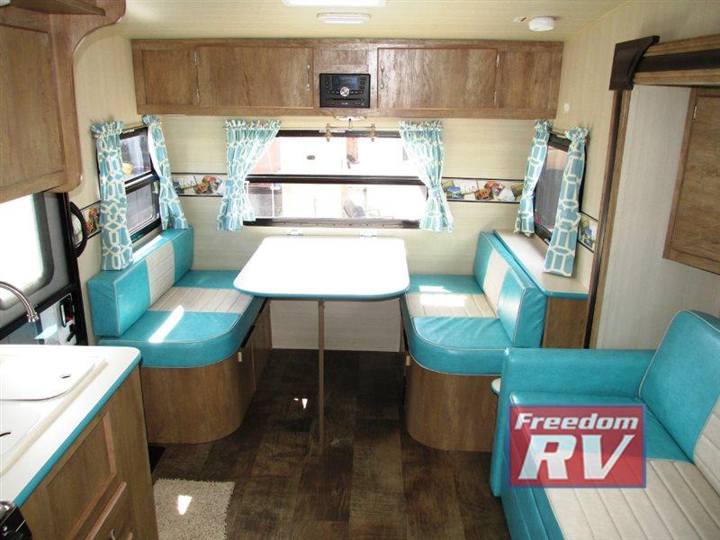 Gulf Stream Vintage Cruiser Travel Trailer Camper Interior