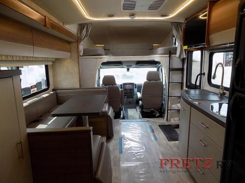 Winnebago Navion 24J Class C Motorhome Interior