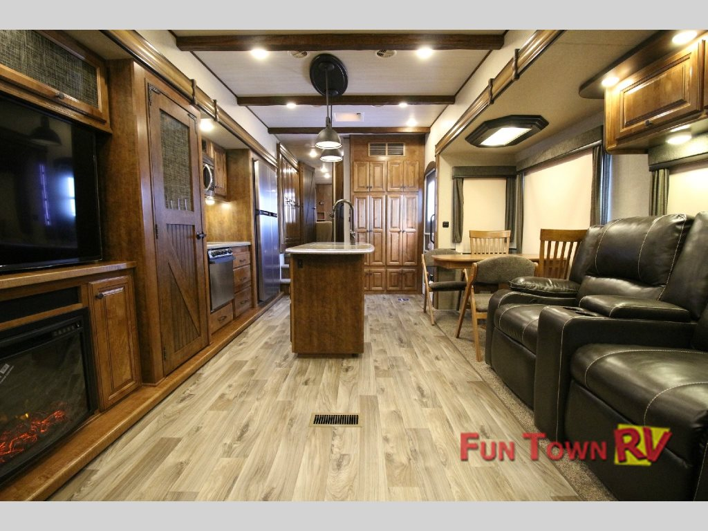 South Fork Lawton Fifth Wheel Interior