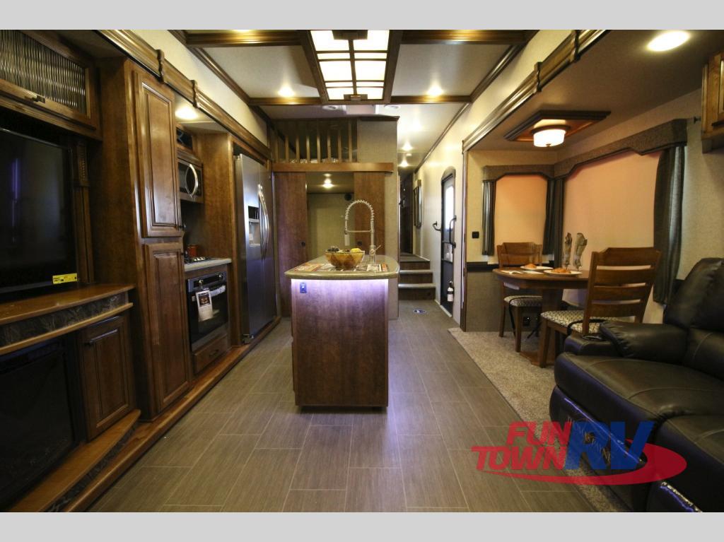 Heartland Big Country Fifth Wheel Interior