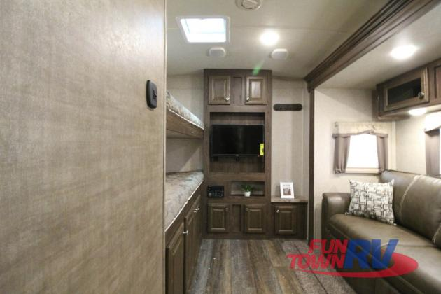 Forest River Rockwood Signature Ultra Lite Travel Trailer Bunkhouse