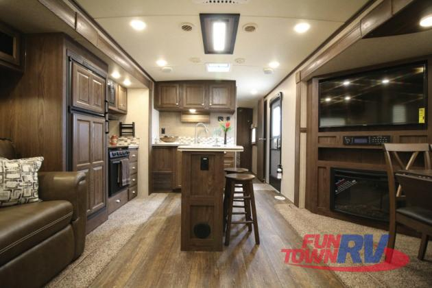 Forest River Rockwood Signature Ultra Lite Travel Trailer Interior