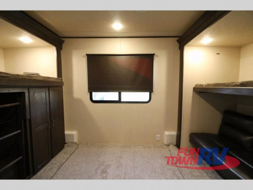 Wildwood DLX Destination Trailer Bunkhouse