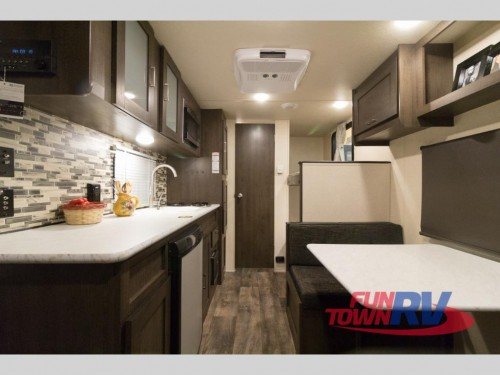 Forest River Wildwood 197BH Travel Trailer Interior