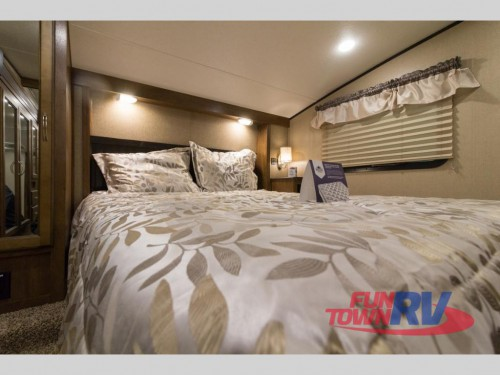 Coachmen Chaparral Lite 295BHS Fifth Wheel Bedroom