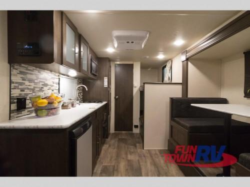 Wildwood SFX 207BH Travel Trailer Interior