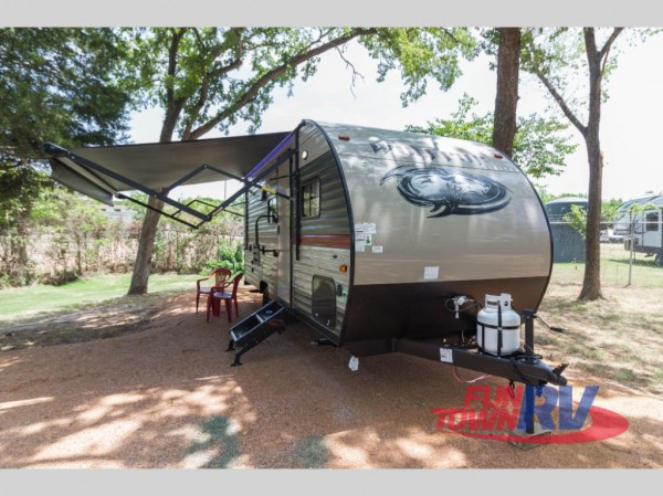 Wolf Pup bunkhouse travel trailer