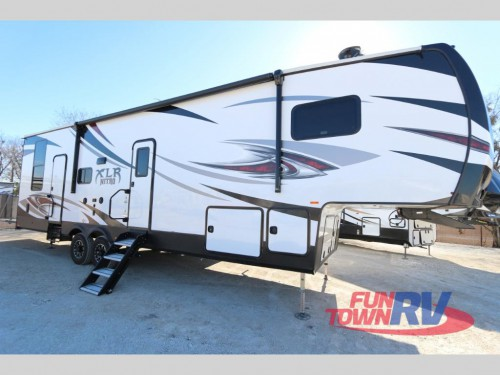 Forest River Nitro Toy Hauler Fifth Wheel
