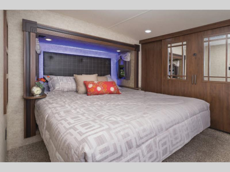 bedroom sandpiper fifth wheel