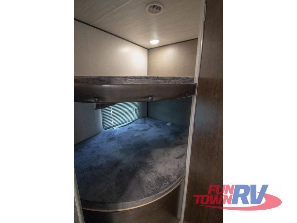 trailer runner bunks