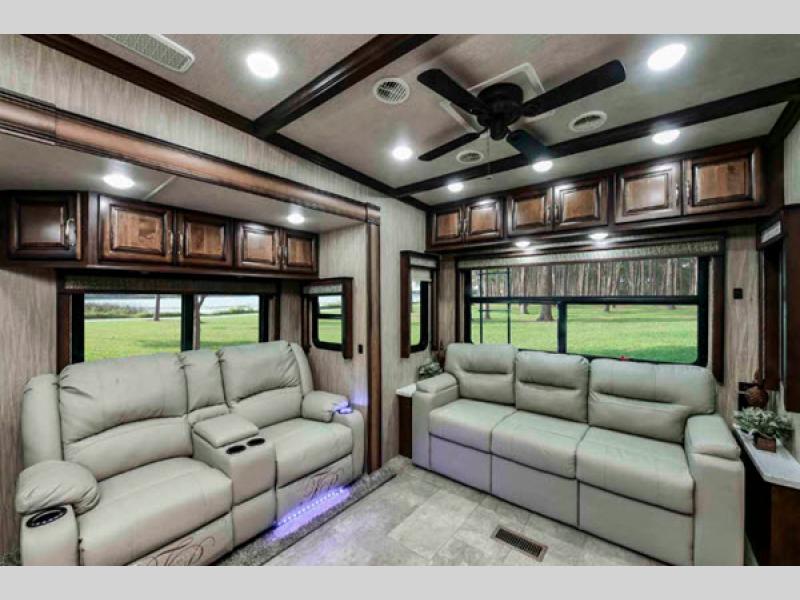 bighorn living room
