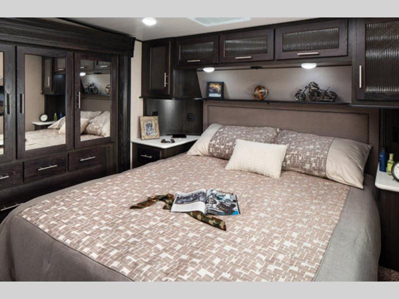 bedroom in xlr thunderbolt toy hauler