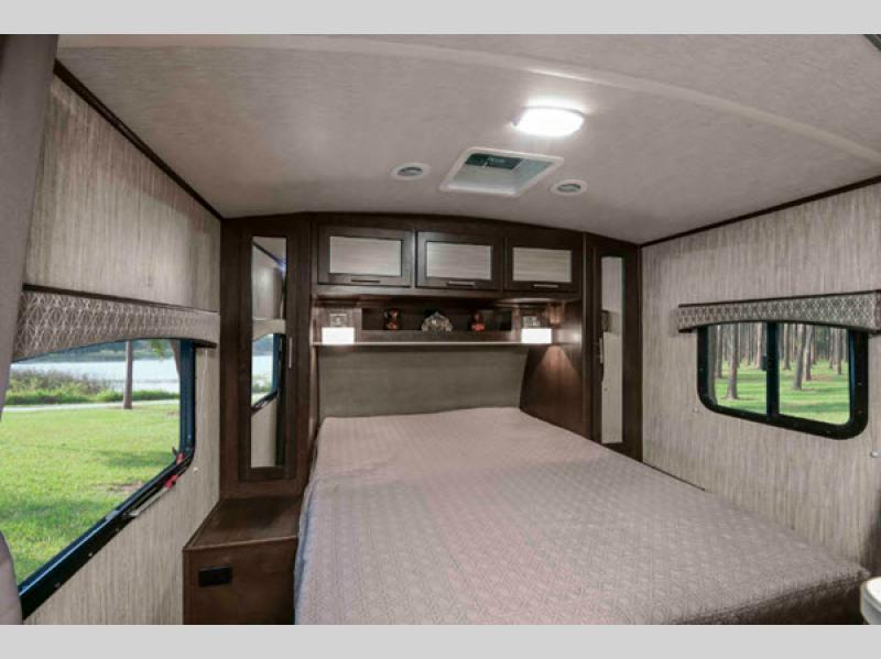 xtreme lite travel trailer bedroom