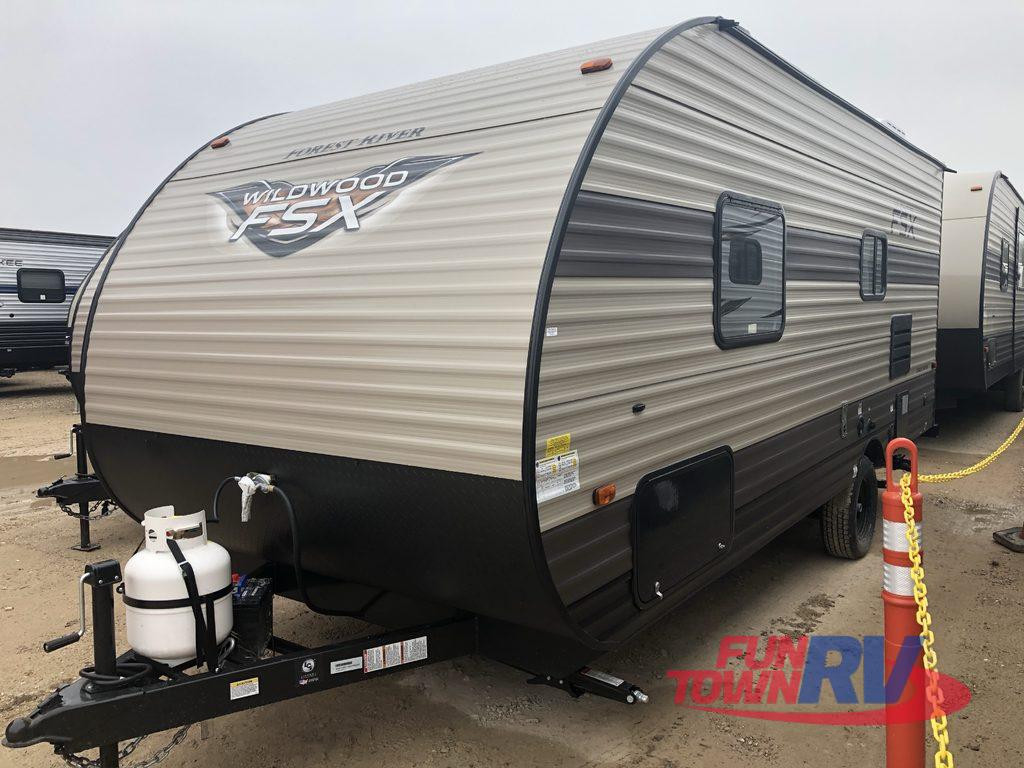 wildwood fix travel trailer for tailgating