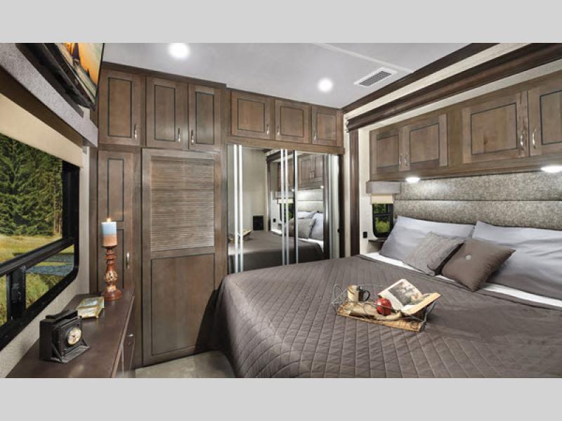 cedar creek cottage review of bedroom