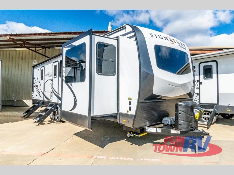 2020 Forest River RV Rockwood Signature Ultra Lite 8324SB
