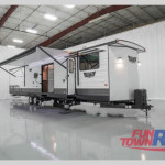 New 2021 Forest River RV Wildwood DLX 4002Q