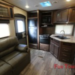 Heartland Elkridge Xtreme Light E255 Interior