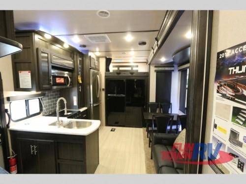 XLR Thunderbolt 340AMP Interior