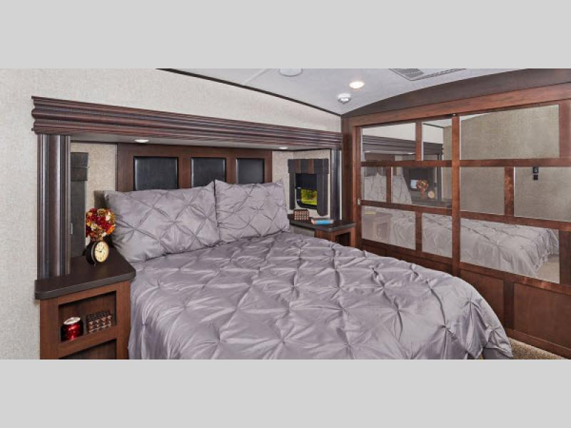 bedroom in north point rv