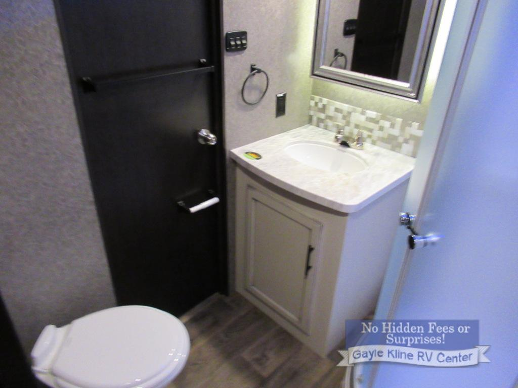 jayco eagle bathroom