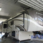 Pinnacle Fifth Wheel for sale